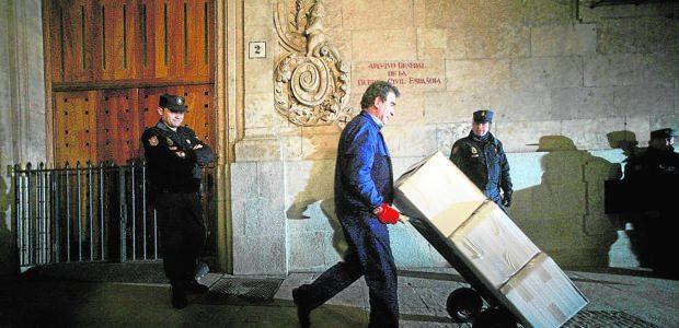 ABC: Salvar el Archivo denuncia la salida de otros 25.000 documentos de Salamanca